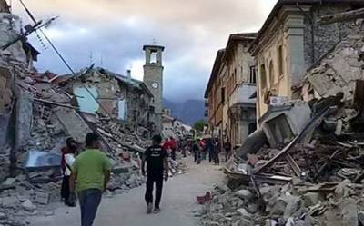 Four quakes shake central Italy, over 100 aftershocks registered : World, News - India Today