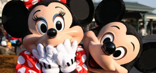 Mickey Minnie Surprise