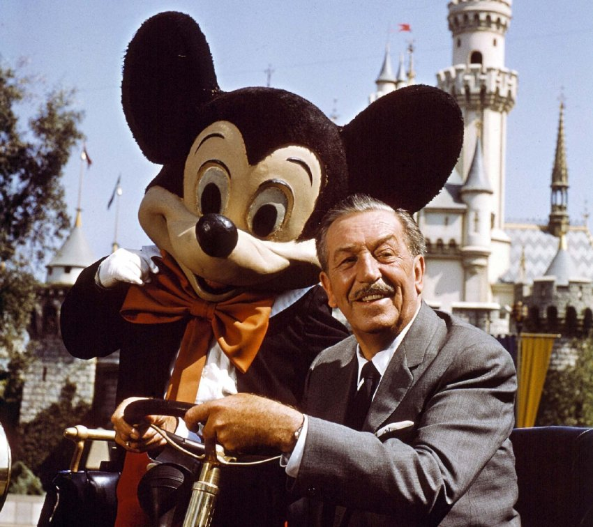 Amazing Walt Disney Facts You Never Knew   MickeyBlog com He is an enormous part of our culture and responsible for an infinite  amount of smiles every day  Here are some amazing Walt Disney facts you  probably never