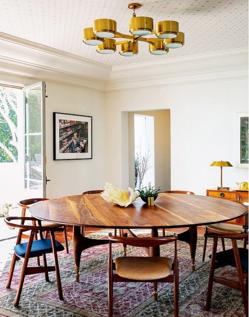 15 Supreme Oval Dining Table for Your Modern Dining Room 3