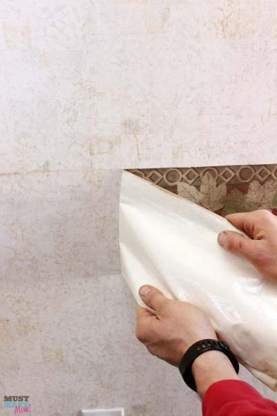 How To Remove Wallpaper Border in an RV - Must Have Mom