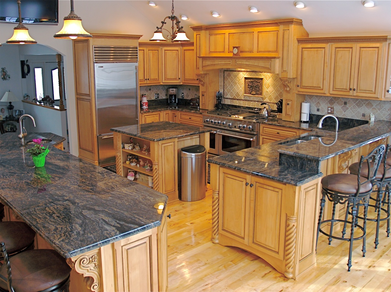 granite top kitchen island with seating granite kitchen island Granite top kitchen island with seating Photo 4