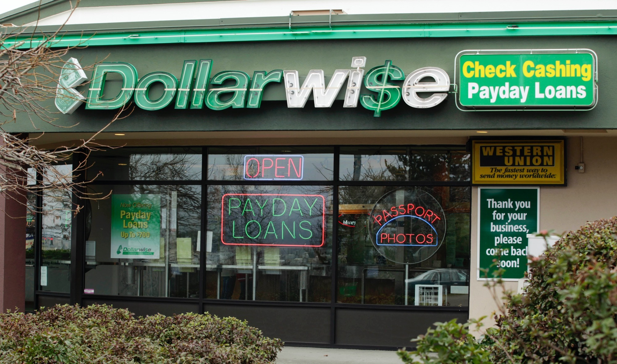 Proposed New Rules Could Put Predatory Payday Loan Companies Out of Business | VICE News