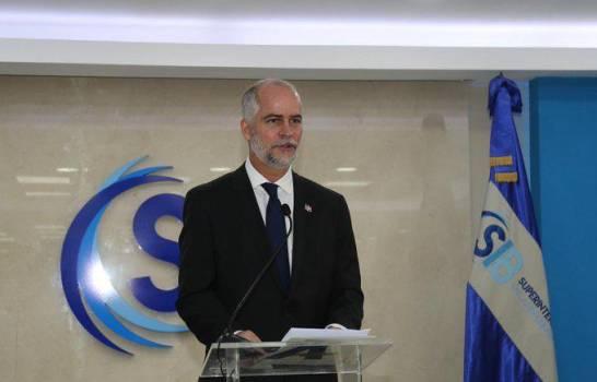 SIB se compromete a trabajar para evitar discriminación bancaria a excarcelarios y morosos