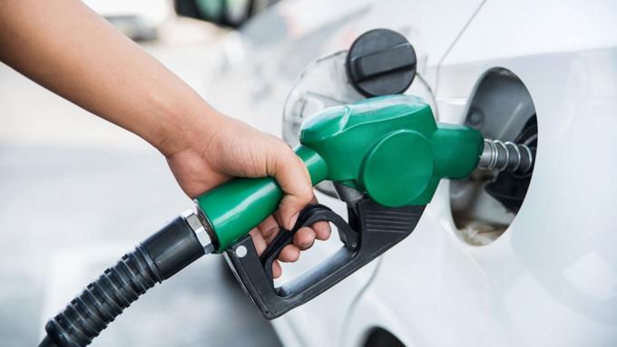 Combustibles incrementan su precio entre uno y tres pesos