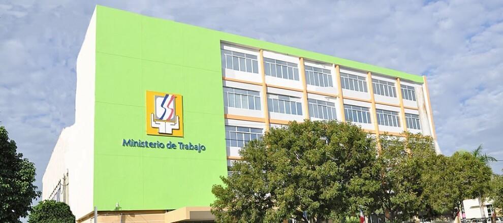 """Ministerio de Trabajo reitera el próximo lunes """"Día de la Restauración"""" no es laborable"""