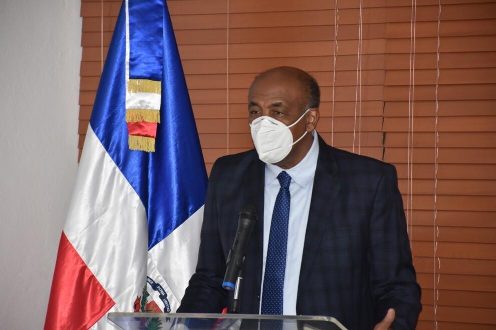 Ministro de Energía y Minas responsabiliza a Aristy Escuder de los problemas de Punta Catalina