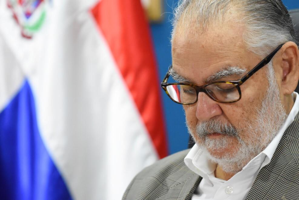 Ministro de Economía asegura se evalúa posibilidad de extensión de programas sociales