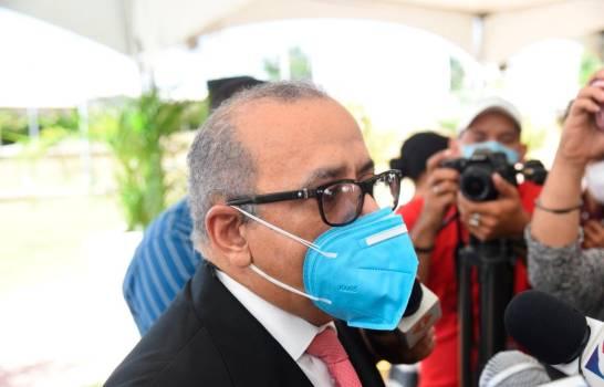 Ministro de Salud mantiene posición de no flexibilizar toque de queda en Navidad