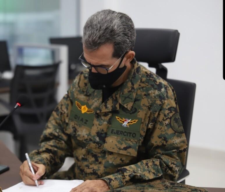 Ministro de Defensa prohíbe prestar o asignar militares a entidades, funcionarios y exfuncionarios
