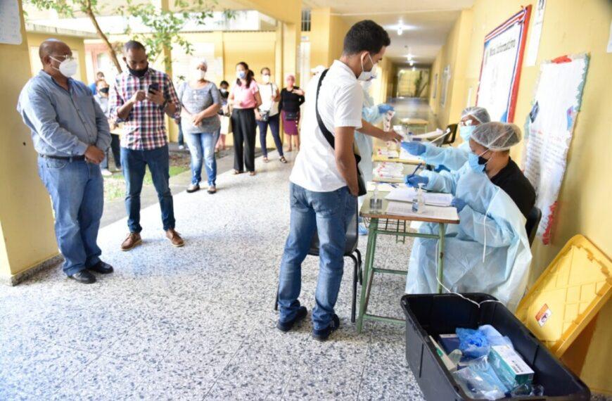 MINERD y Salud Pública interviene y desinfecta centros educativos para prevenir casos de COVID-19