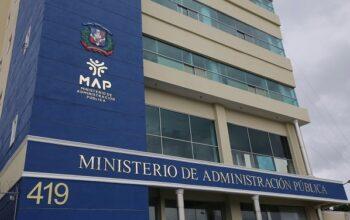 Ministro de Administración Pública afirma sólo le han llegado 34 mil solicitudes de nuevas designaciones