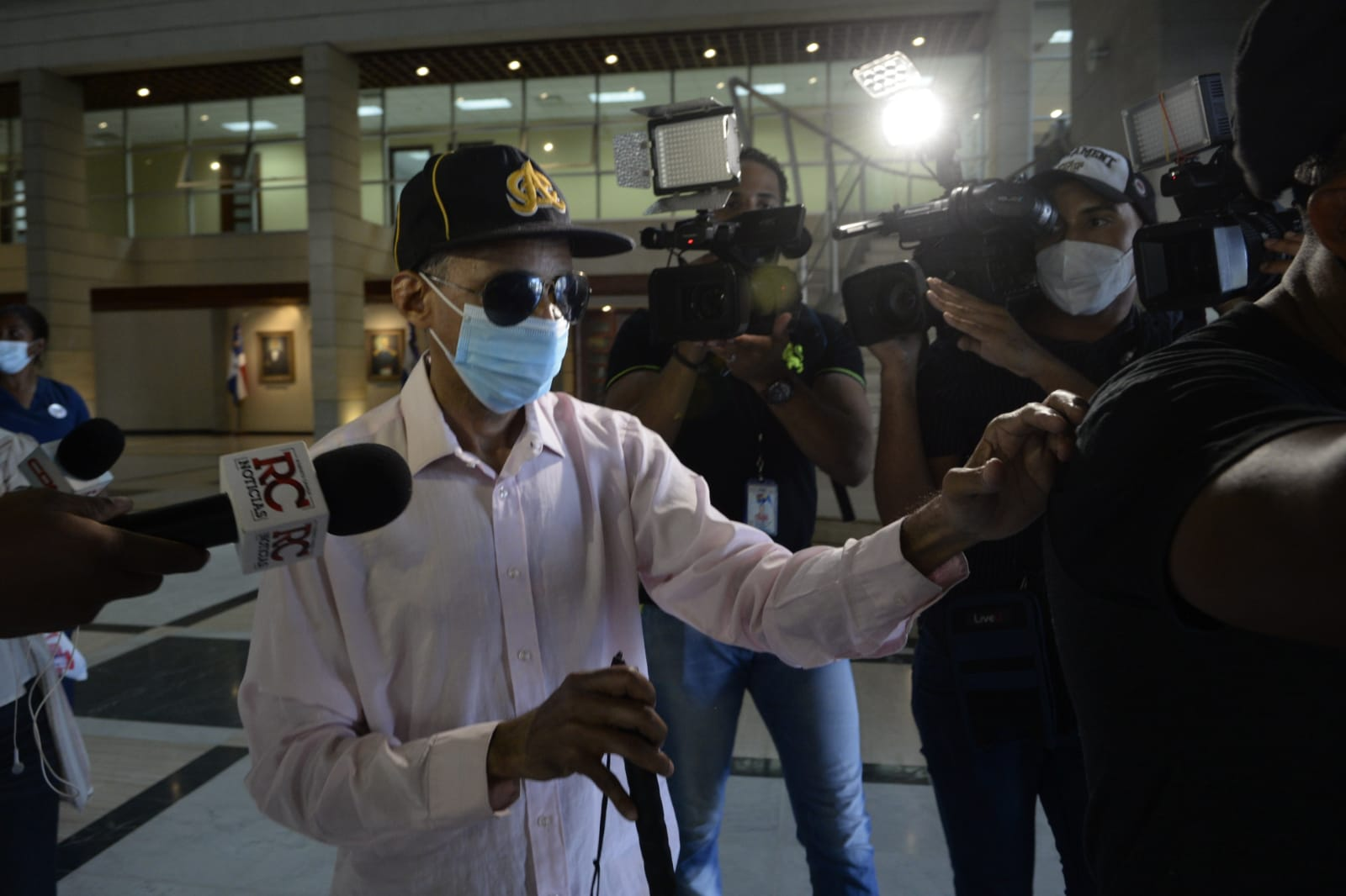 Revelan ofrecieron 800 mil pesos a no vidente para estafa de la Lotería