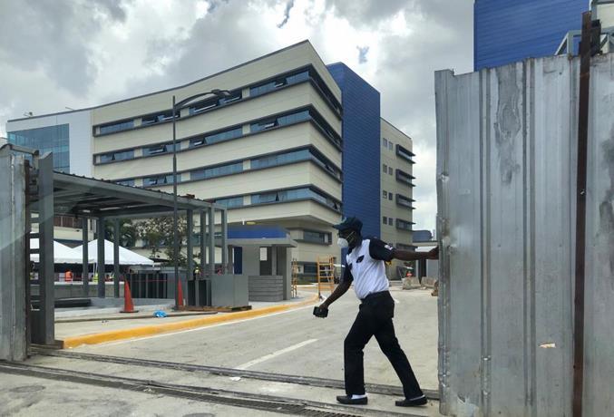 Instituto Nacional de la Vivienda entrega edificios del hospital Materno Infantil. Ciudad Sanitaria, Luis Eduardo Aybar