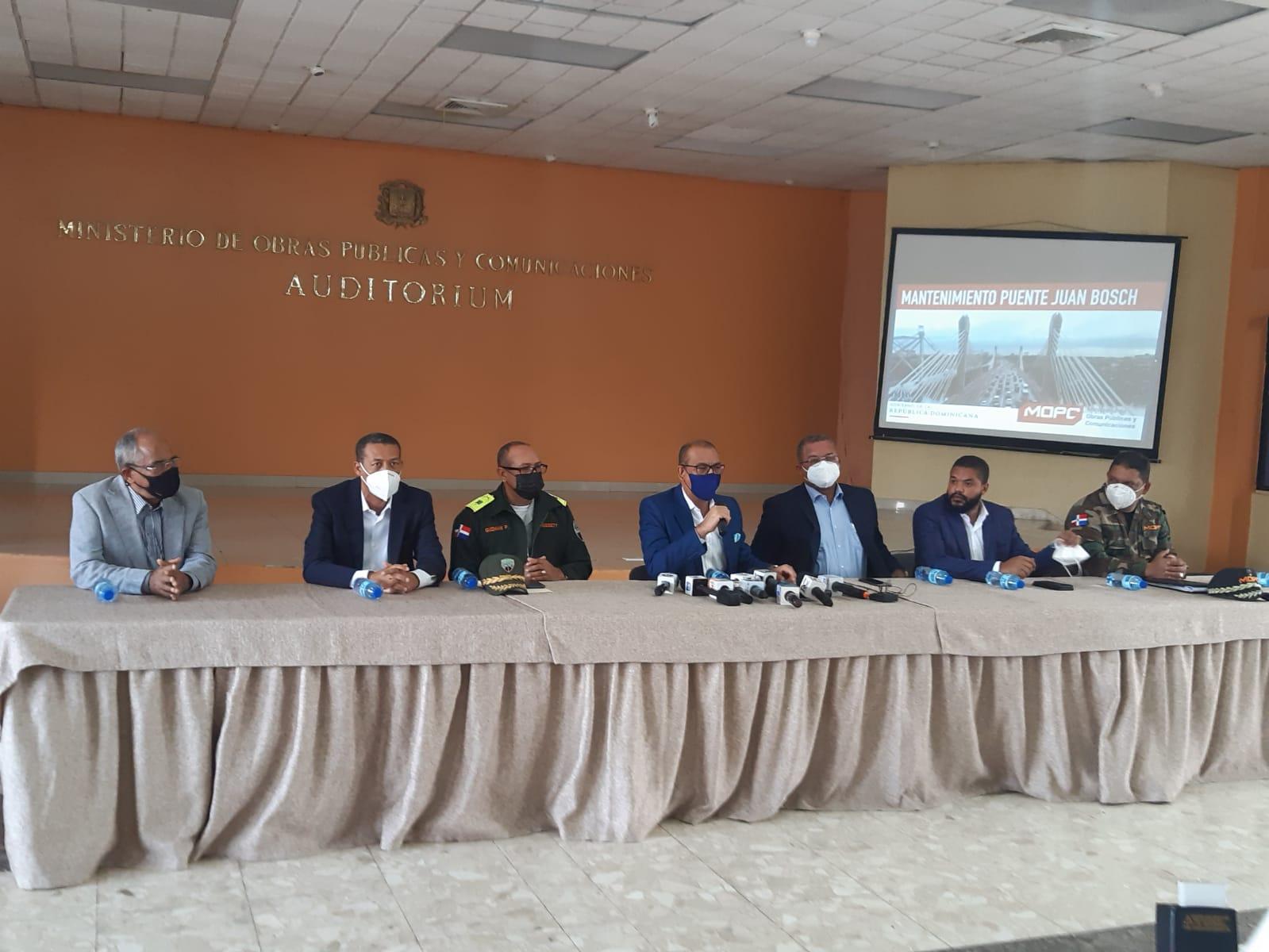 MOPC anuncia reparación del puente Juan Bosch