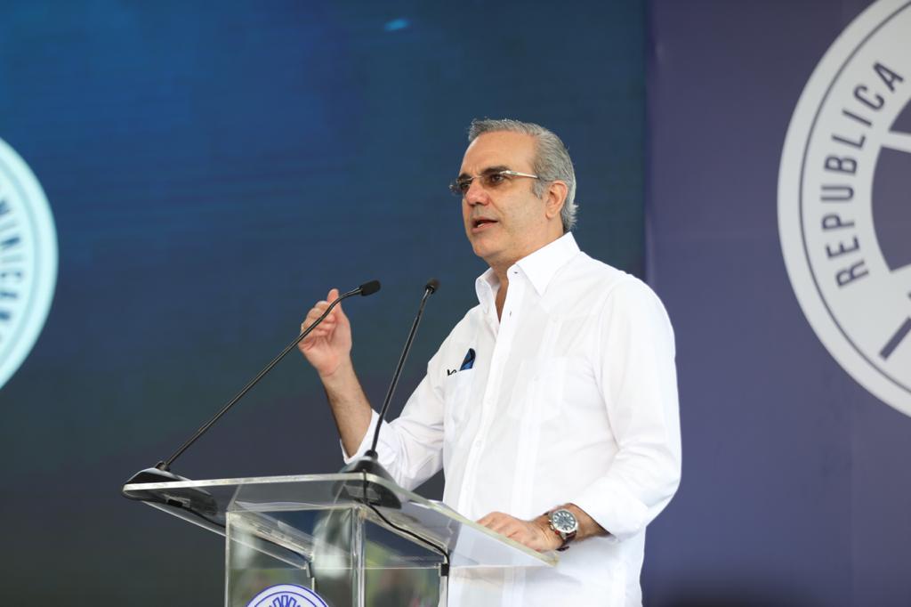 Presidente Abinader asegura en cinco meses Aduanas ha tenido ingresos que superan los RD$65,000 MM