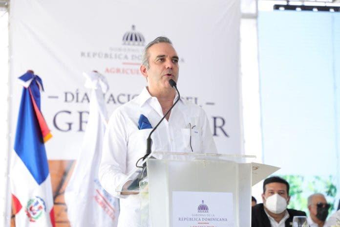 """Presidente Abinader advierte de """"peligrosas"""" crisis a causa de la pandemia"""