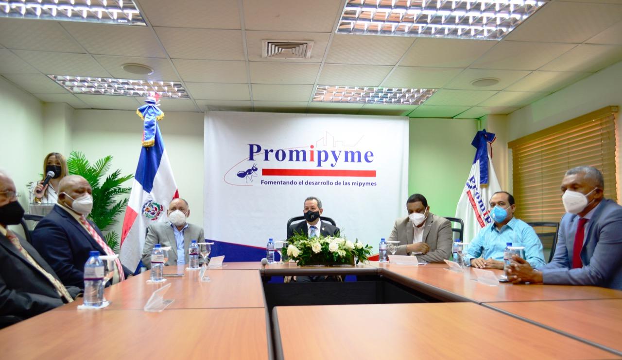 PROMIPYME, dirigido por Porfirio Peralta lanza programa para cooperativas de microcrédito y entidades de microfinanzas