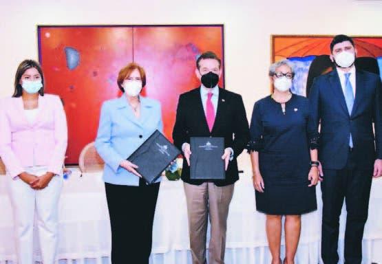 Ministerio de Cultura y MICM firman acuerdo para desarrollar Directorio Creativo