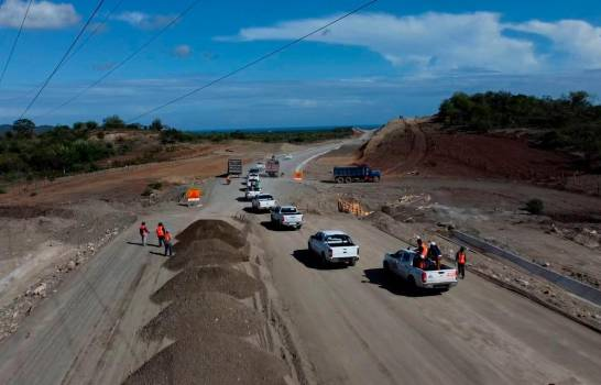 Obras Públicas: circunvalación de Baní está a un 55 % de construcción