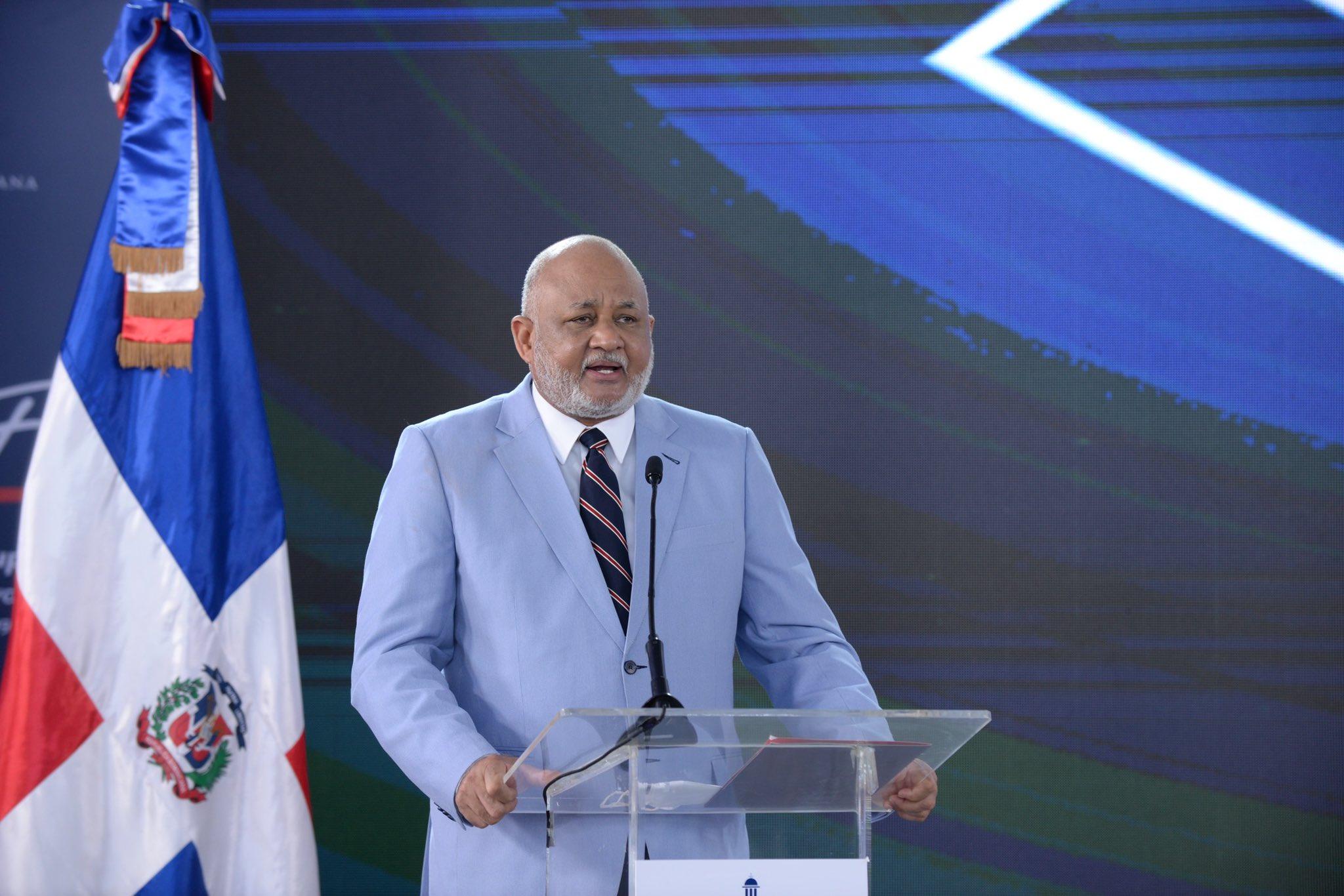 El ministro de Educación, Roberto Fulcar, destacó que elAño escolar 2021-2022 comienza el 20 de septiembre