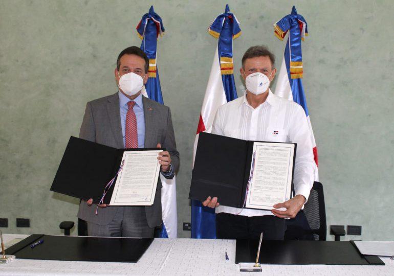 MIREX y MICM acuerdan reforzar desarrollo comercial y acercar a RD a otras naciones