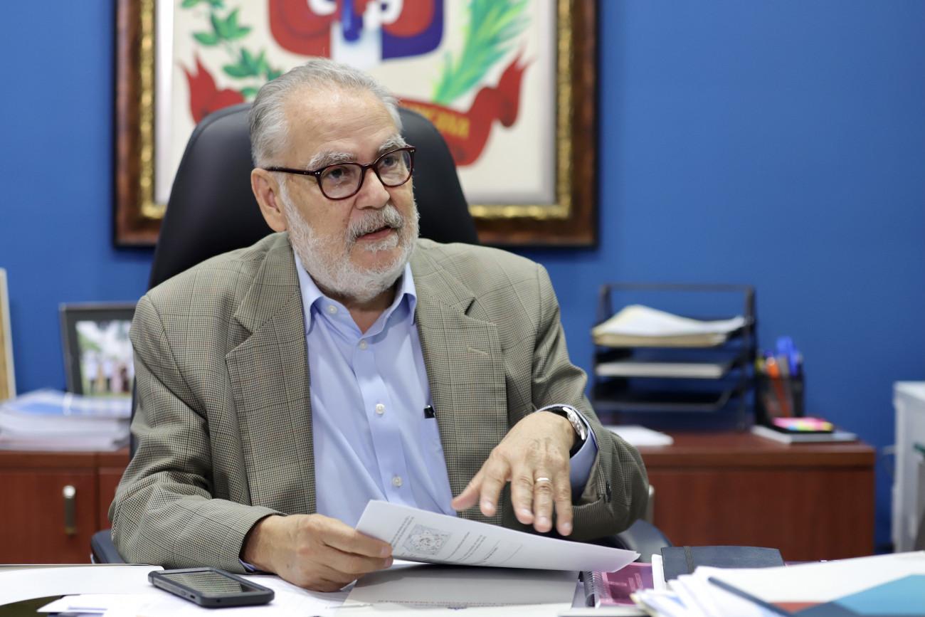 """Miguel Ceara Hatton, ministro de Economía, llamó la atención """"Si no hay lucha ciudadana, otros que tienen poder fáctico se van a imponer"""""""
