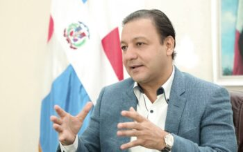 Alcalde de Santiago suspende jornada de vacunación tras desautorización de SP