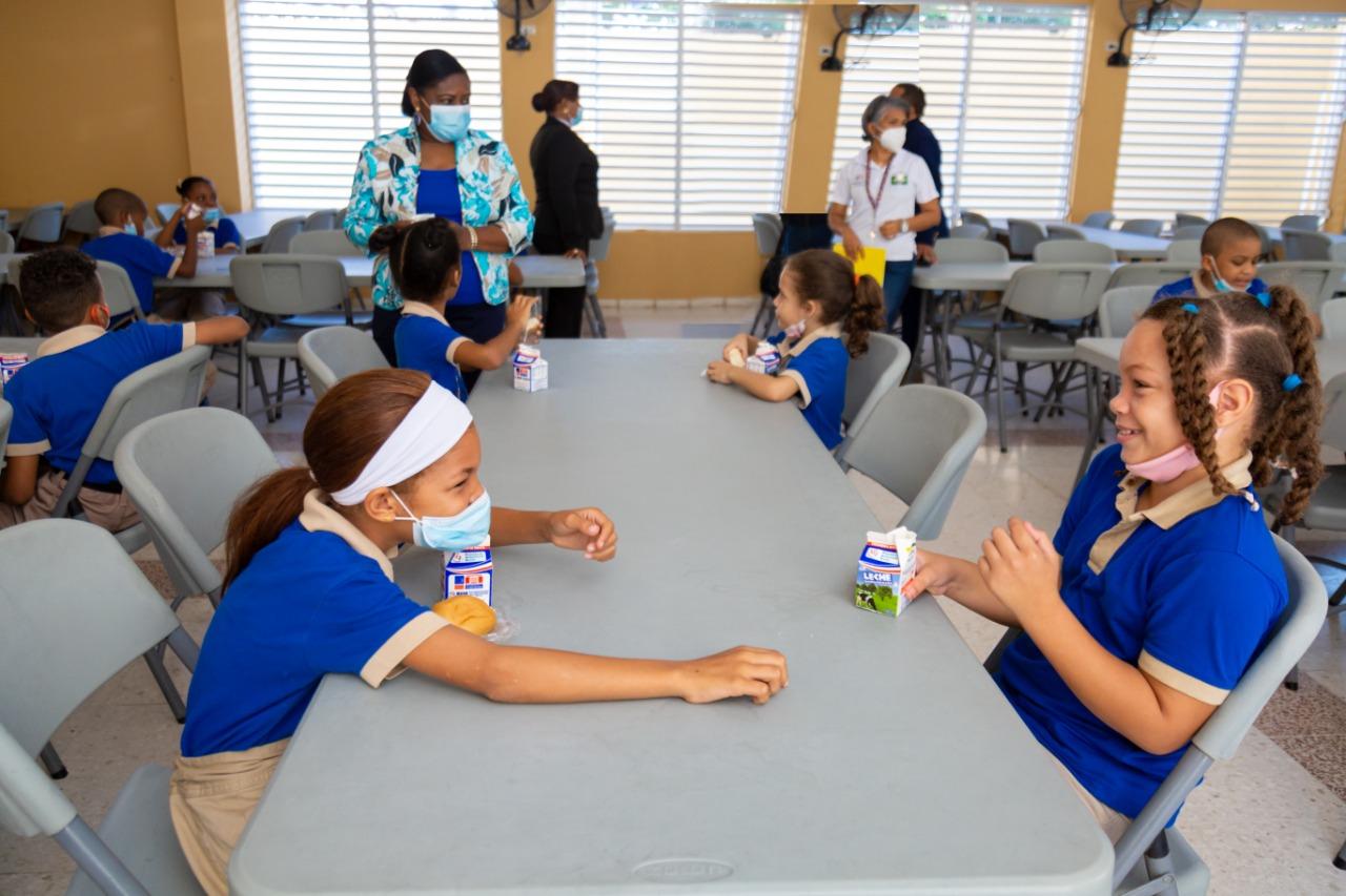 Este lunes inicia jornada escolar extendida con servicios de almuerzo en todo el territorio nacional