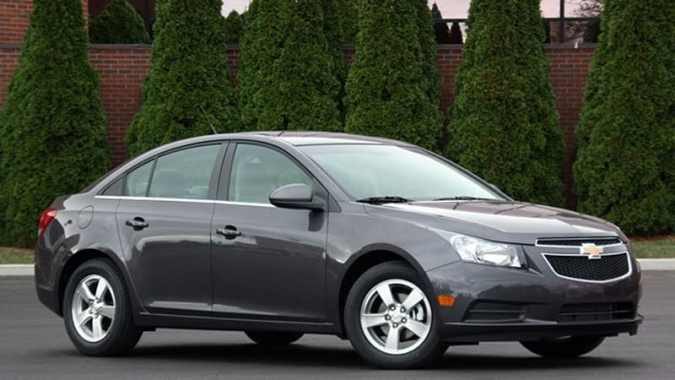 Chevy Cruze regulates voltage to boost fuel economy   Autoblog