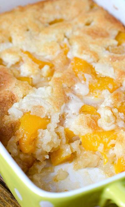 Easy Peach Cobbler Recipe - OMG Chocolate Desserts