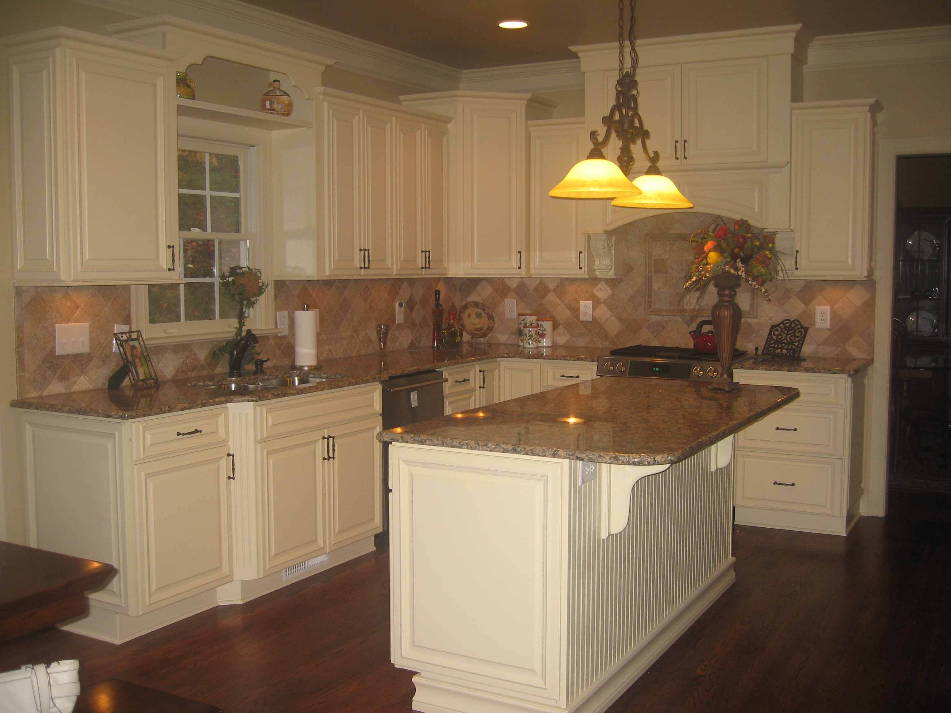 onlinecabinetsdirect inexpensive kitchen cabinets Attaberry 4 White Shaker IMG copy