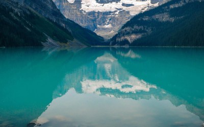 mk48-canada-lake-louise-green-water-nature - Papers.co