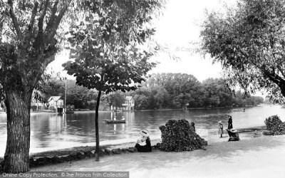Kingston Upon Thames, Canbury Gardens 1906 - Francis Frith