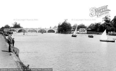 Kingston Upon Thames, The Bridge 1890 - Francis Frith