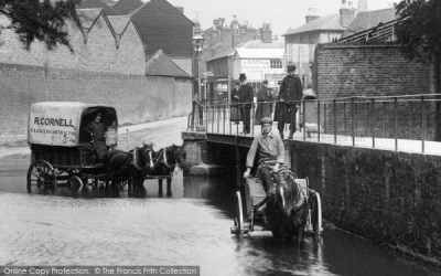 Kingston Upon Thames, Waggons In The Water Splash 1906 - Francis Frith