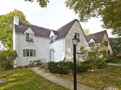 90 Country Village Ln, New Hyde Park, NY 11040 | RealEstate.com