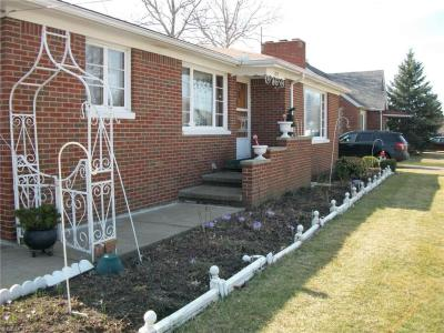 1223 W 23rd St, Lorain, OH 44052 MLS# 3787468 - Movoto