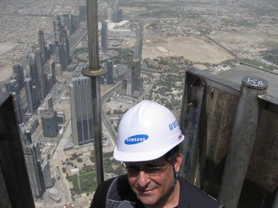 [Photo] Did you know that Burj Khalifa, The World's tallest building was built by Samsung