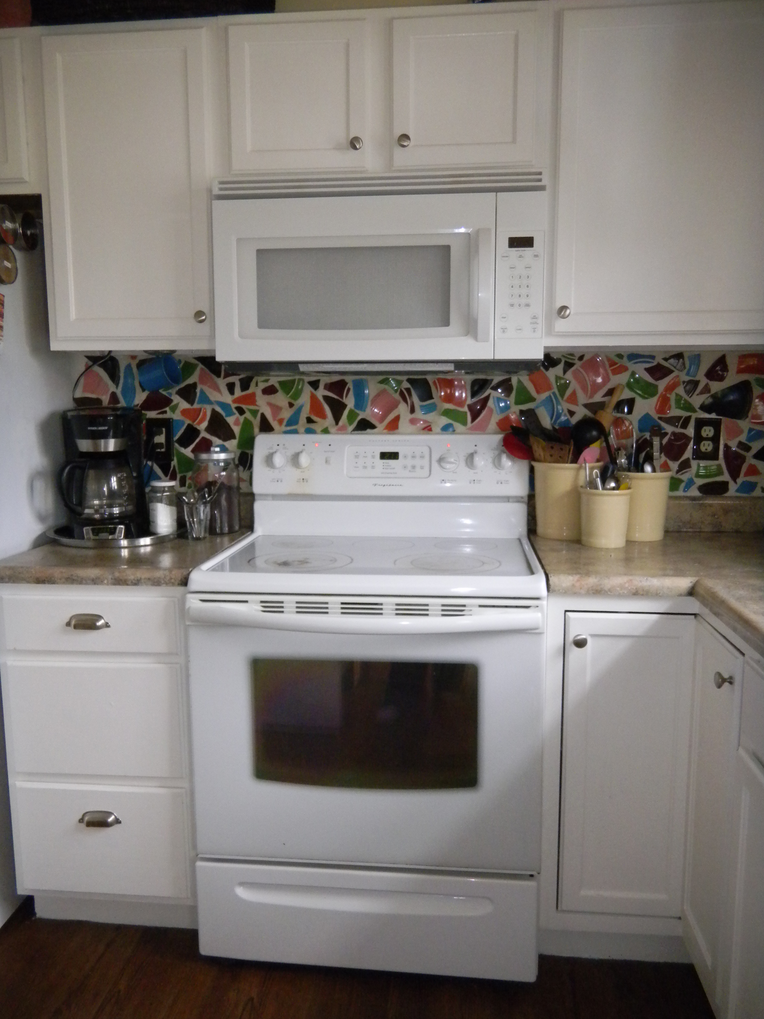 white kitchen cabinets with white appliances kitchen cabinets white Kitchen Appliances With White