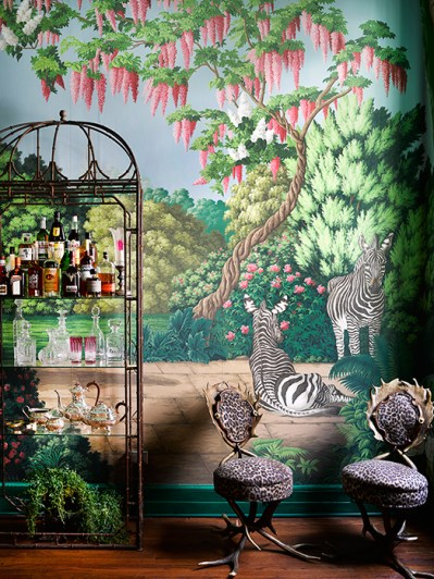 Beautiful wallpaper inspired by New York's Central Park Zoo - 9Homes