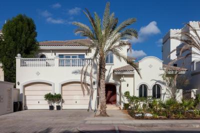 Villa Nasma Luxury Stays - Frond M, Palm Jumeirah, Dubai, UAE - Booking.com