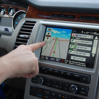 Used vehicles – navigating the shifting currents of in-car technology and value | RoadLoans