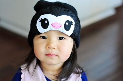 Adorable! Easy DIY Penguin Hat - The Cheese Thief | LIFESTYLE // DIY | Pinterest | The cheese ...