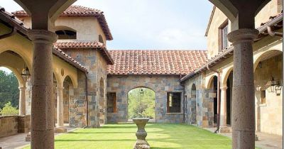 ~Architecture by Kevin Harris via cotedetexas.blogspot | Tuscan Architecture | Pinterest ...