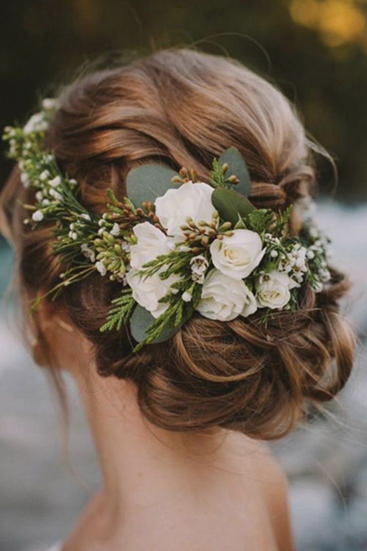winter wedding hair hair pieces for wedding Flower crowns are a winning winter wedding hair accessory