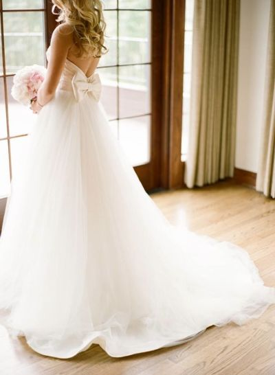 Tulle Wedding Dress With Bow on Back Sweetheart Strapless ...