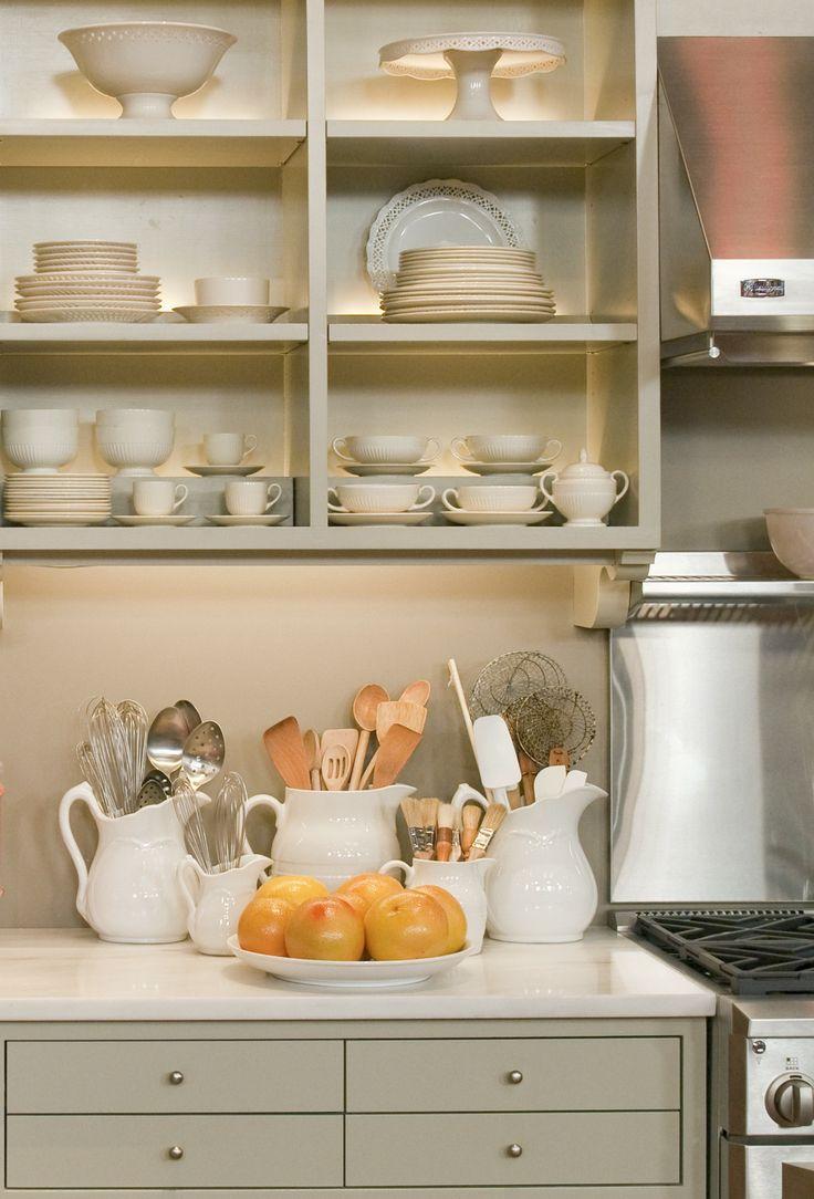 martha stewart kitchen martha stewart kitchen cabinets Steal This Look Martha Stewart Set Kitchen