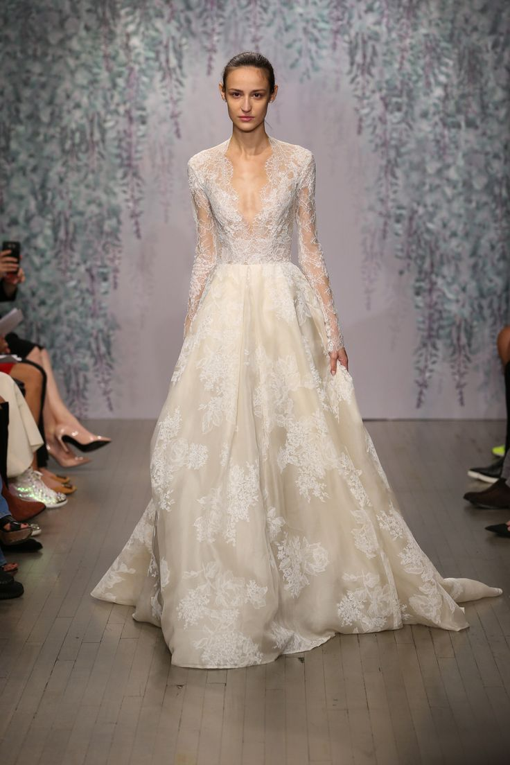 monique lhuillier bridal gold wedding dress Monique Lhuillier Bridal Fall Fashion Show Gold Wedding DressesSleeve