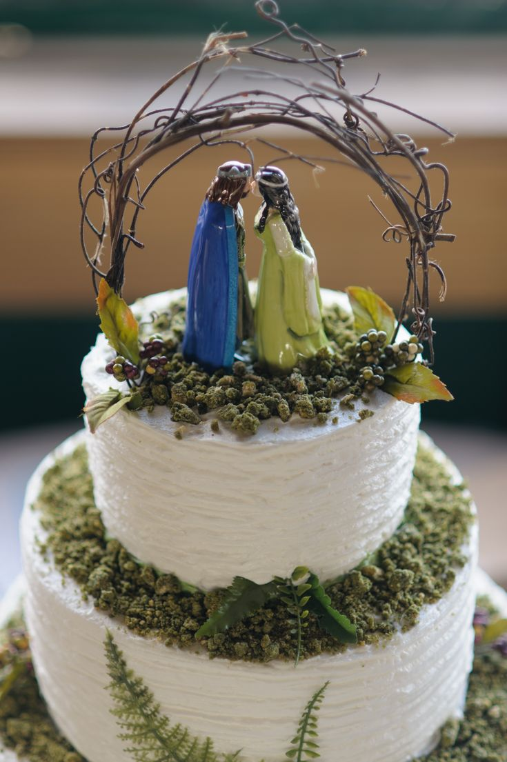 middle earth wedding lotr wedding ring Arwen and Aragorn Cake topper Lord of the rings The Hobbit wedding Cake Check
